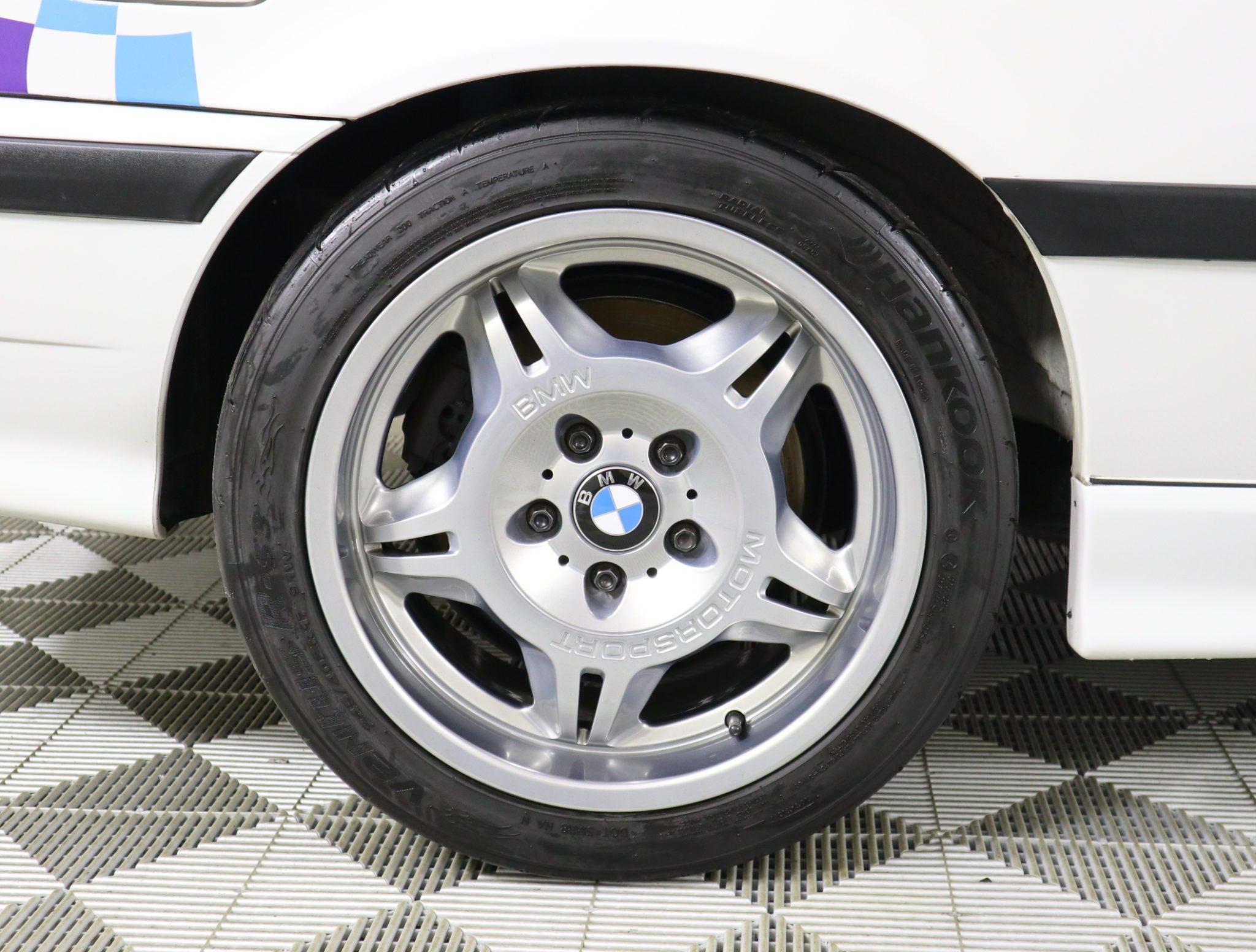 1995_BMW_M3_Lightweight_0018