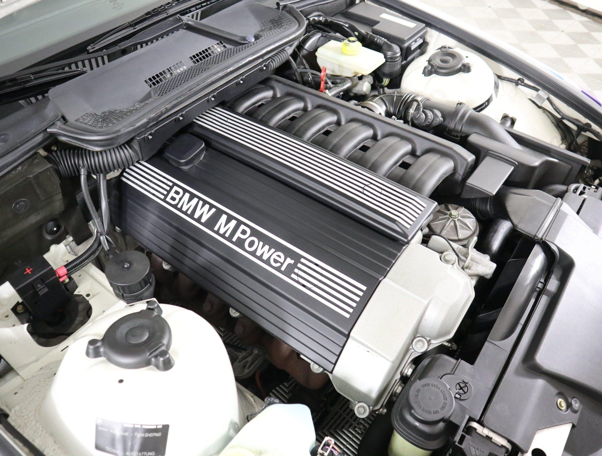 1995_BMW_M3_Lightweight_0023