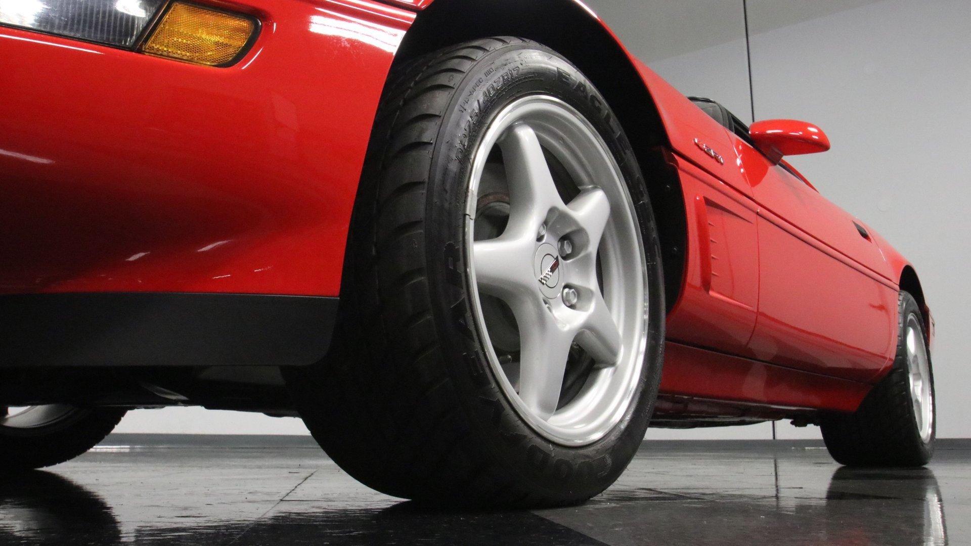 1995_Chevrolet_Corvette_ZR1_sale_0021