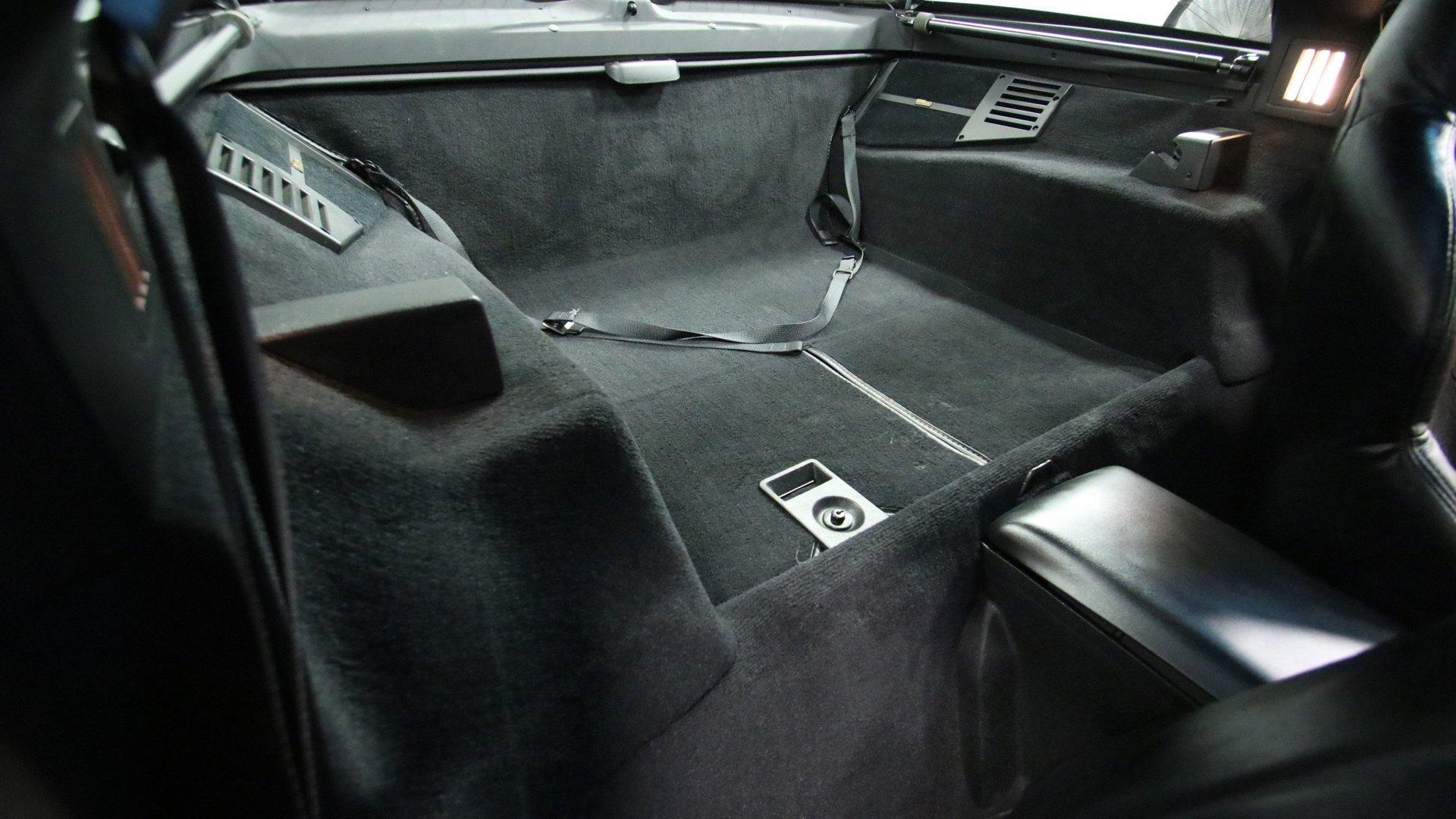 1995_Chevrolet_Corvette_ZR1_sale_0047