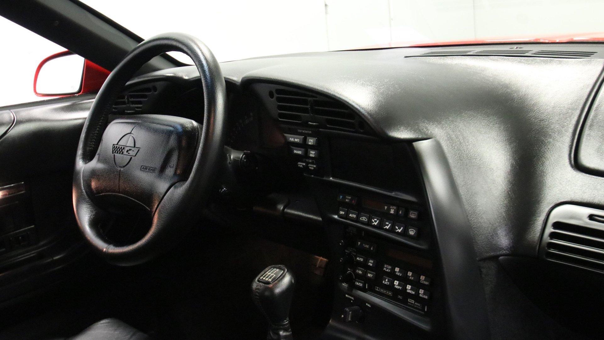 1995_Chevrolet_Corvette_ZR1_sale_0051