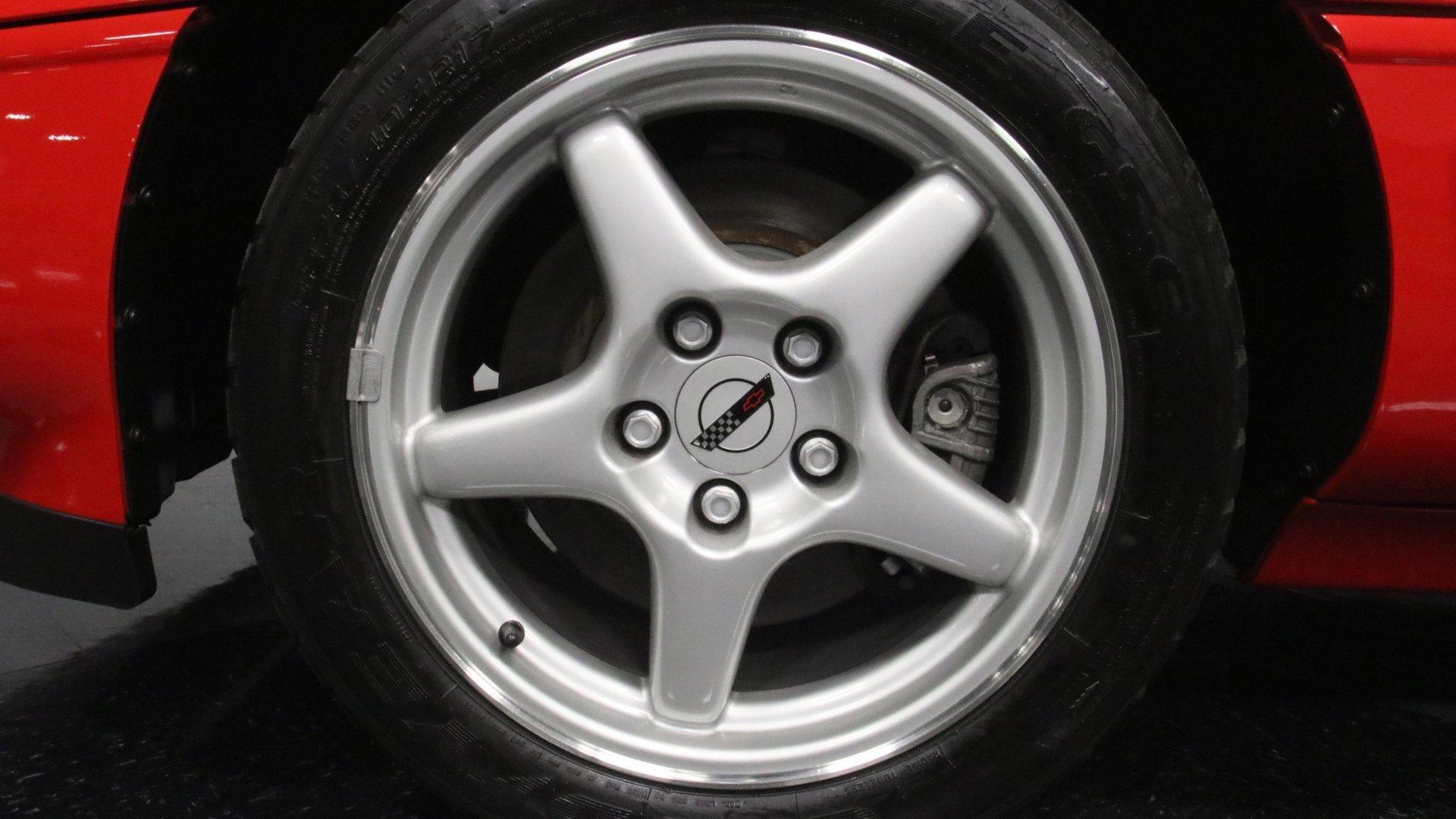 1995_Chevrolet_Corvette_ZR1_sale_0067