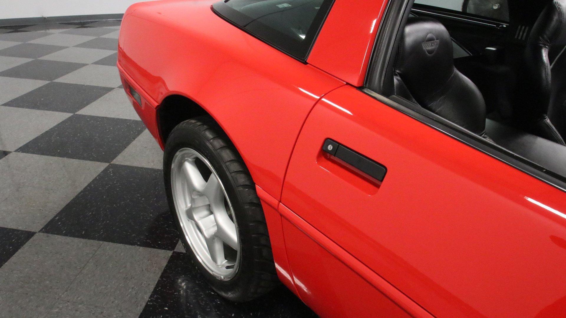1995_Chevrolet_Corvette_ZR1_sale_0071
