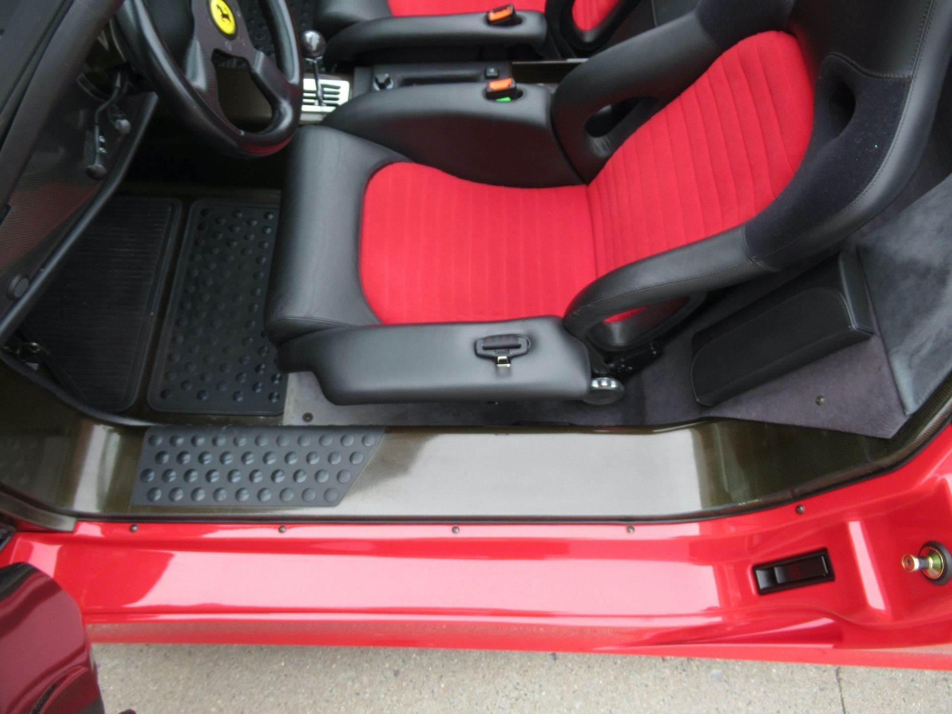 1995_Ferrari_F50_sale_0029