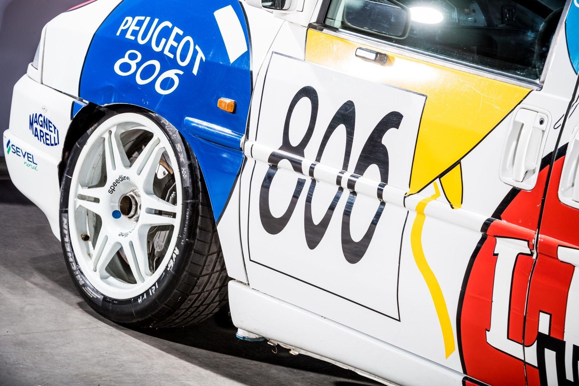 1995_Peugeot_806_ProCar_0010