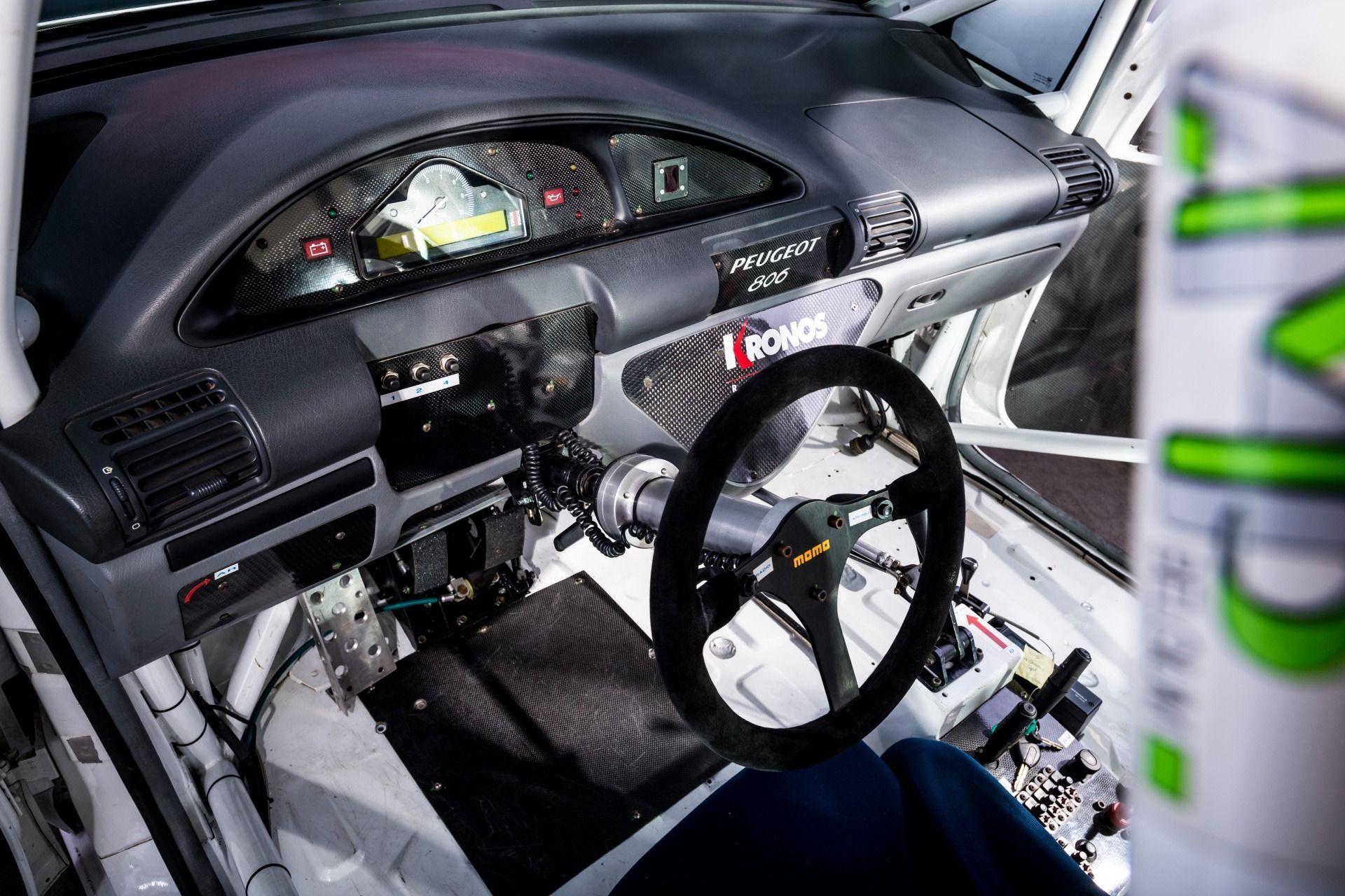 1995_Peugeot_806_ProCar_0013