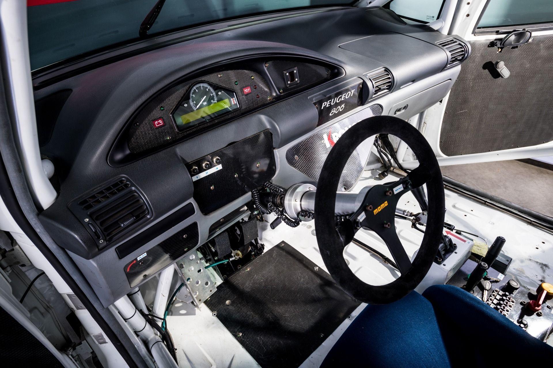 1995_Peugeot_806_ProCar_0015