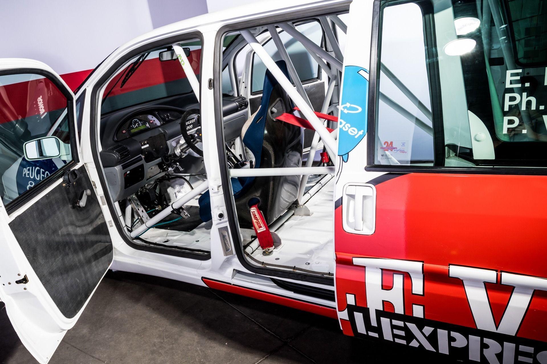 1995_Peugeot_806_ProCar_0022