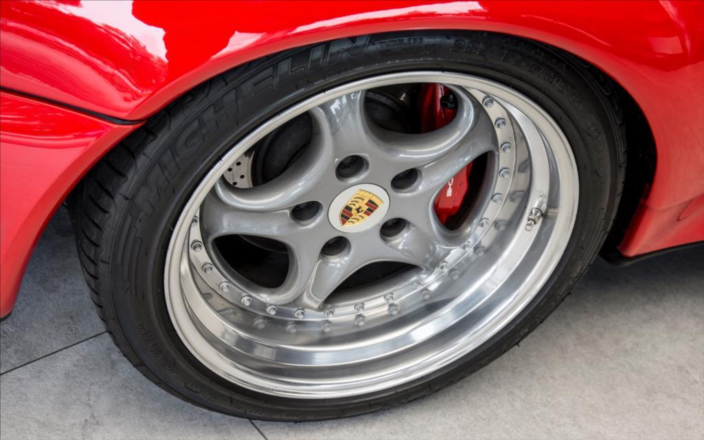 1995_Porsche_911_GT2_sale_0006