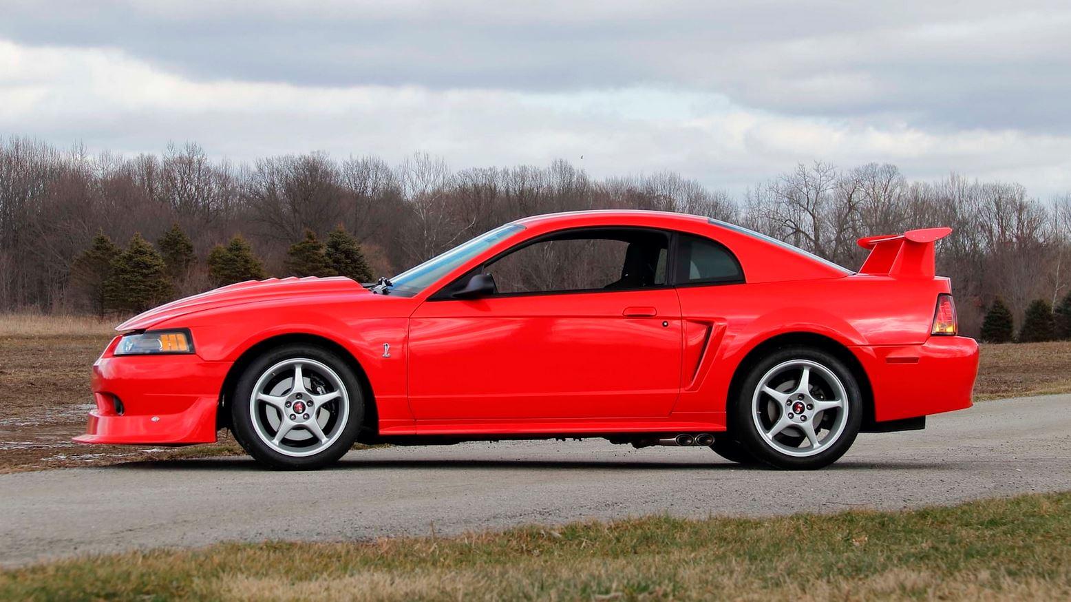 ford-mustang-svt-cobra-r-auction-2