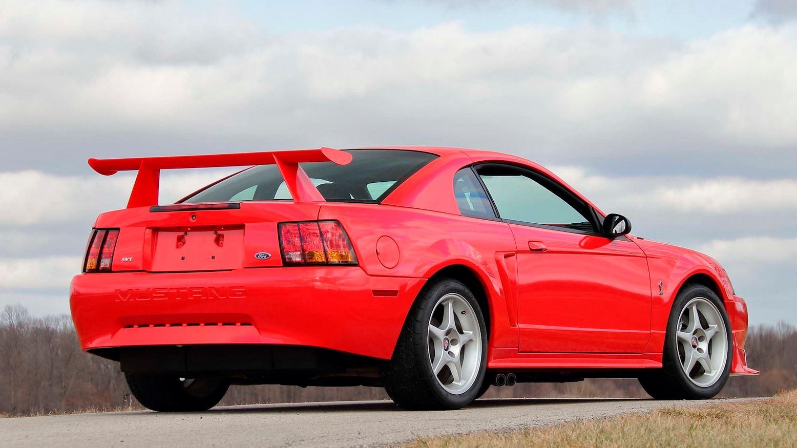 ford-mustang-svt-cobra-r-auction-3