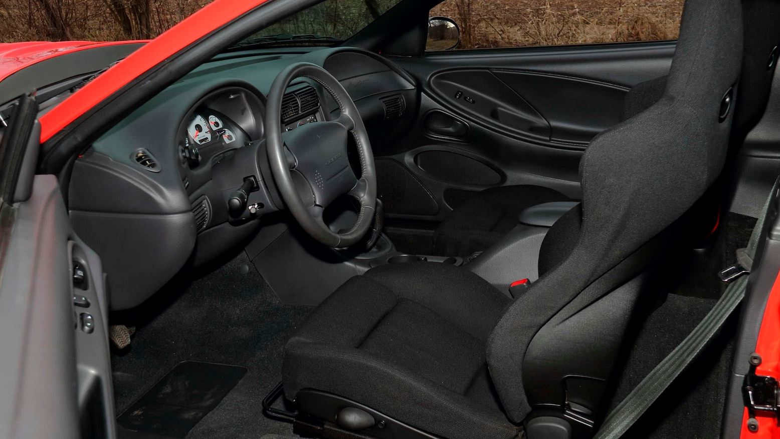 ford-mustang-svt-cobra-r-auction-4