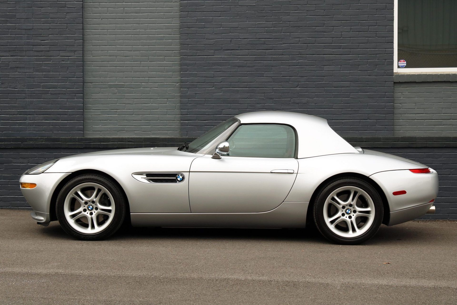 2002_BMW_Z8_auction_0025