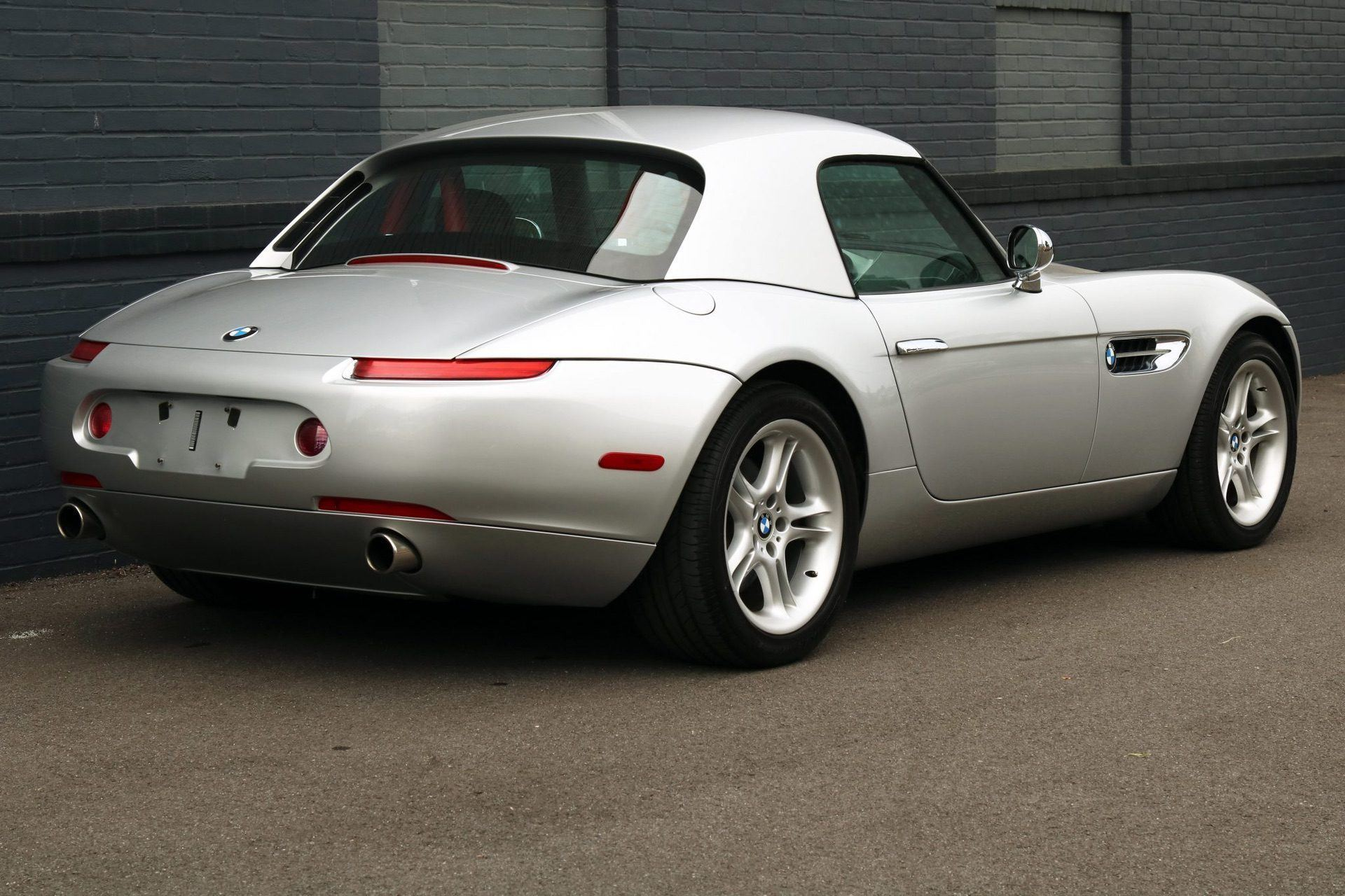 2002_BMW_Z8_auction_0030