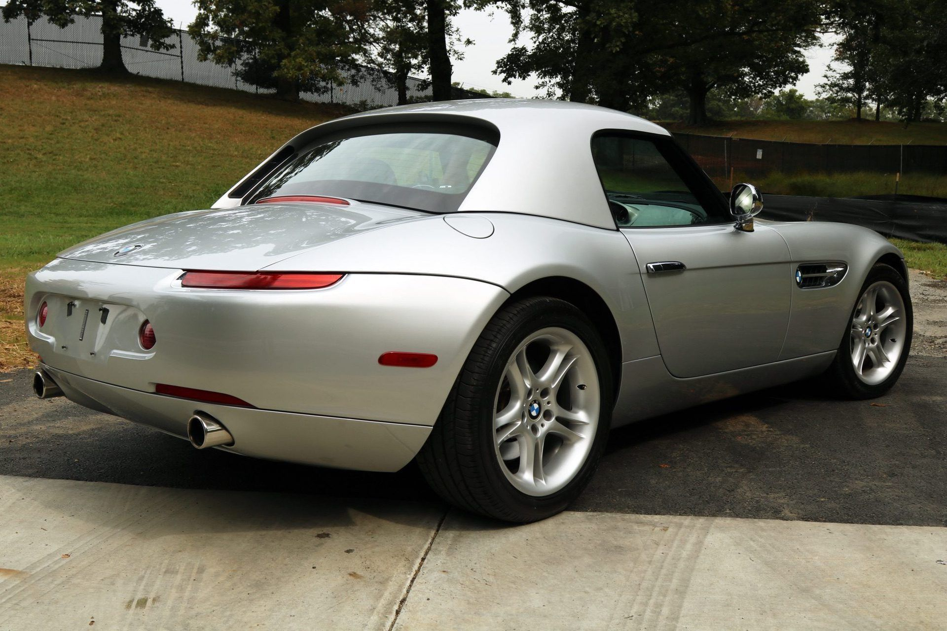 2002_BMW_Z8_auction_0031