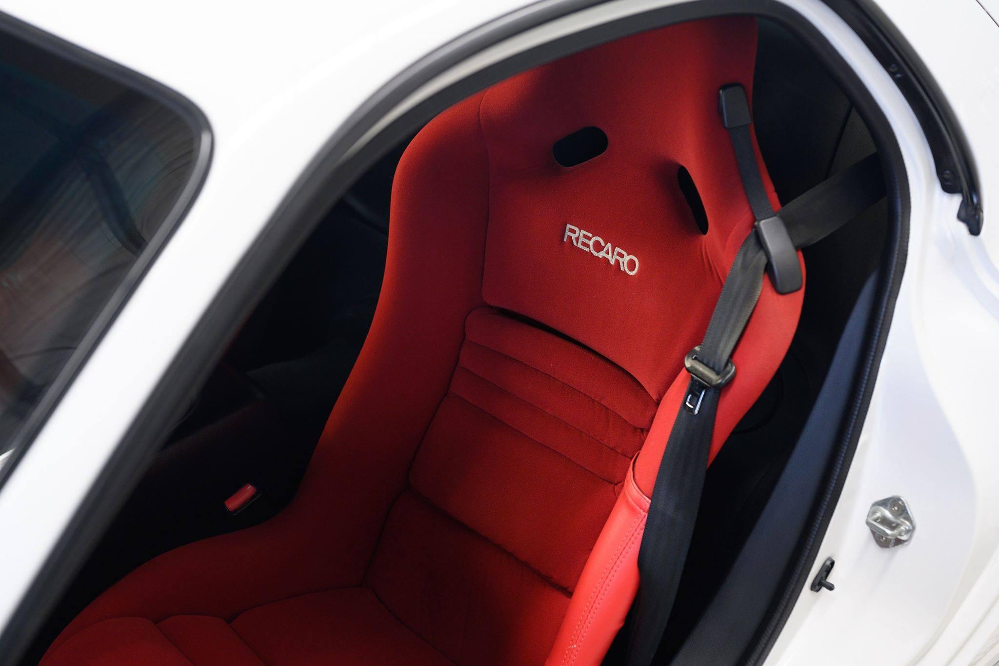 2002_Mazda_RX-7_Spirit-R_Type-A_sale_0003