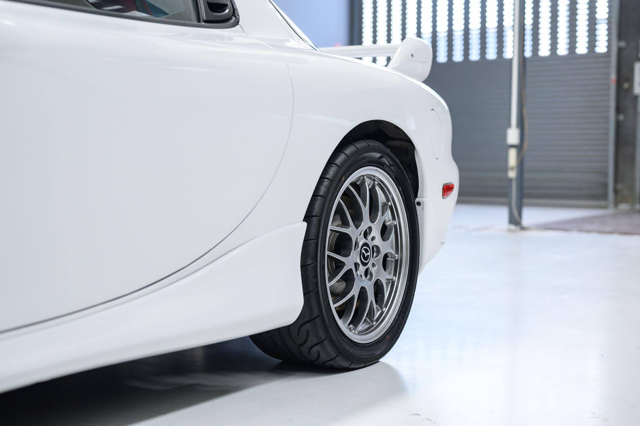 2002_Mazda_RX-7_Spirit-R_Type-A_sale_0004