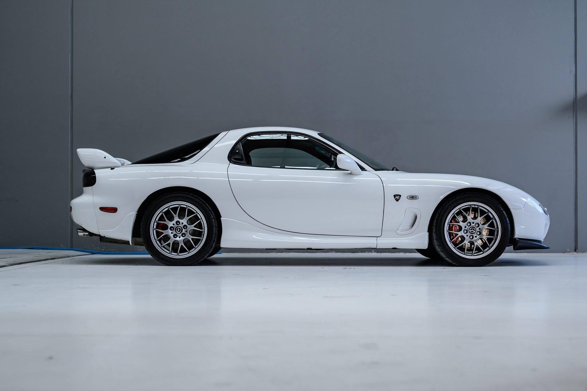 2002_Mazda_RX-7_Spirit-R_Type-A_sale_0009
