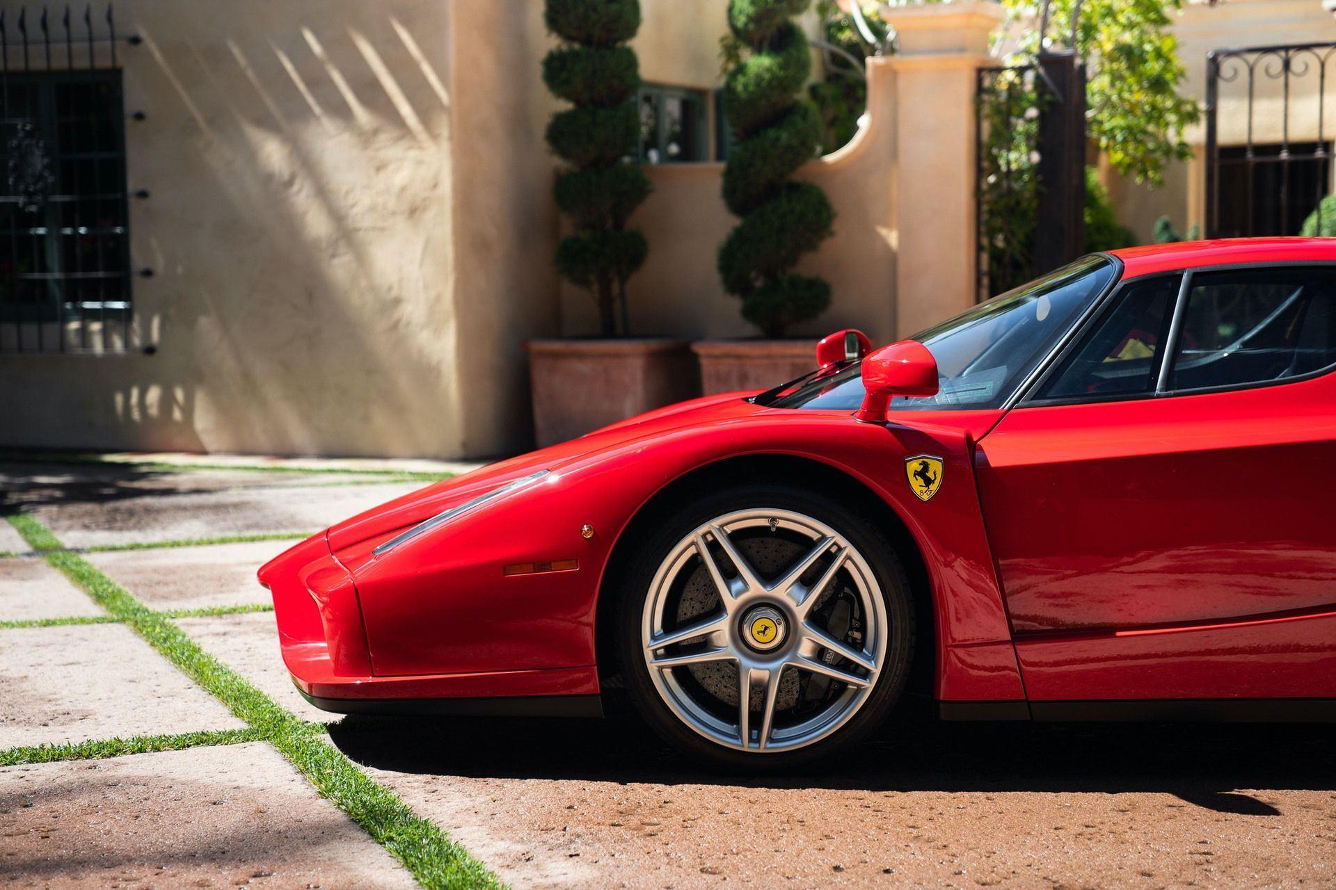 2003_Ferrari_Enzo_sale_0023
