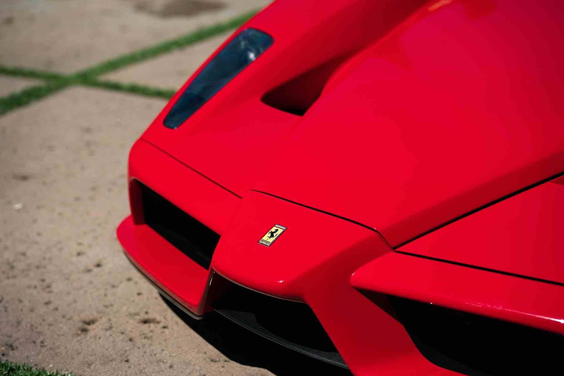 2003_Ferrari_Enzo_sale_0024