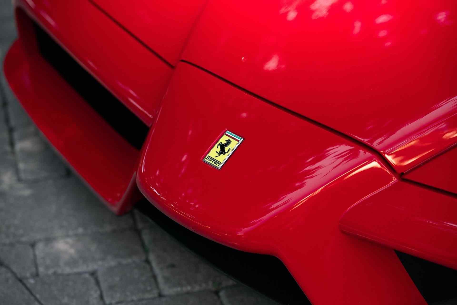 2003_Ferrari_Enzo_sale_0031