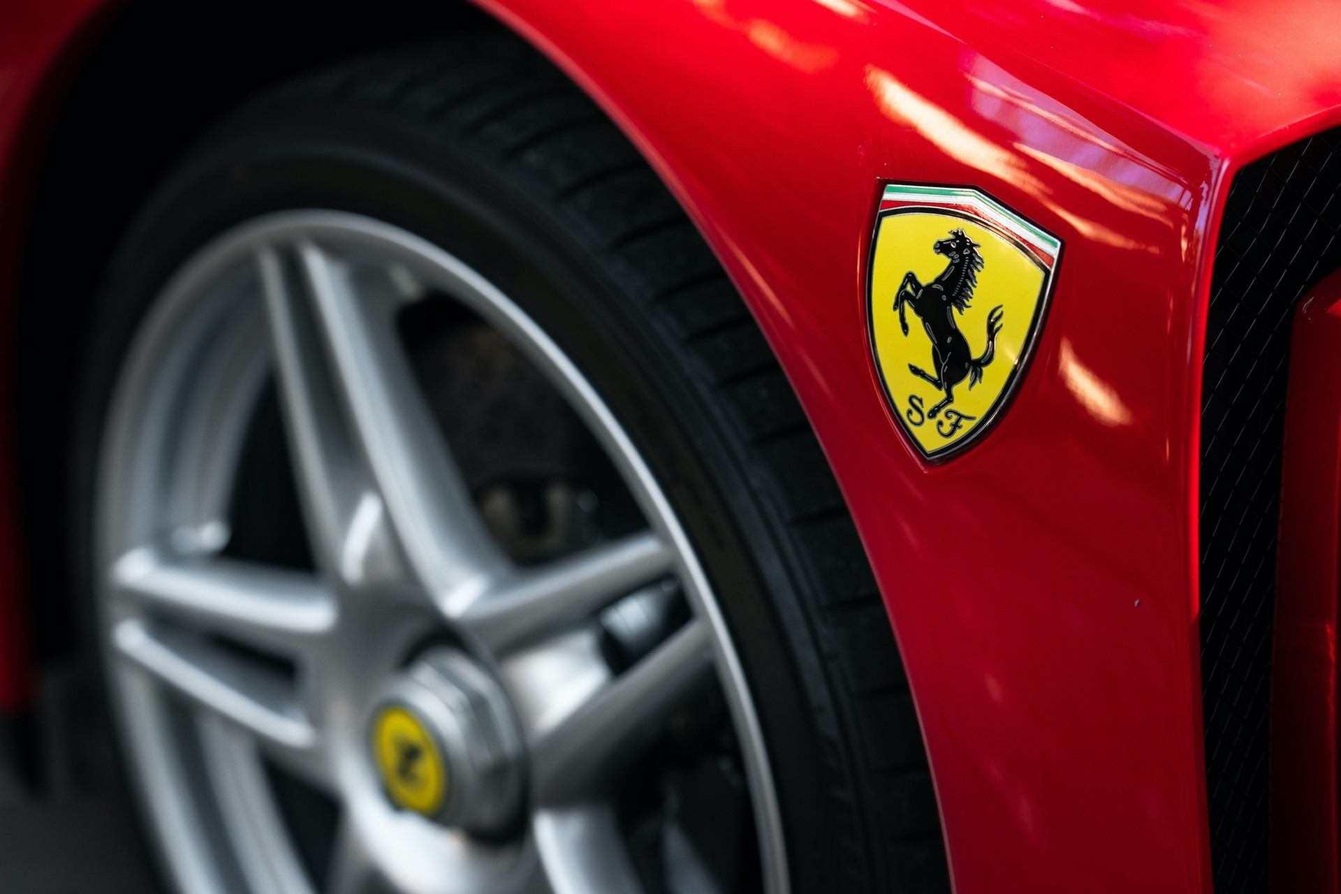 2003_Ferrari_Enzo_sale_0032