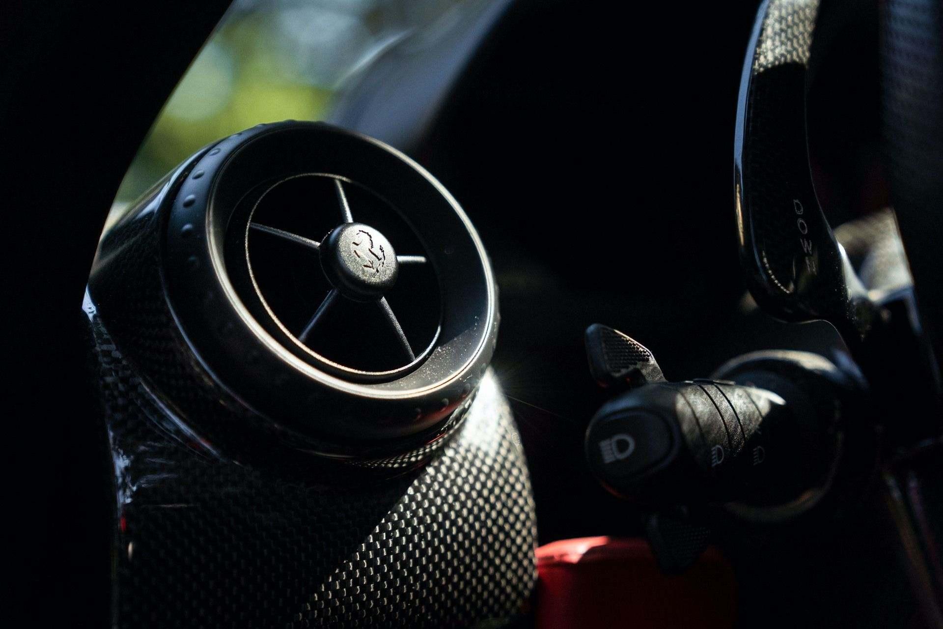 2003_Ferrari_Enzo_sale_0042