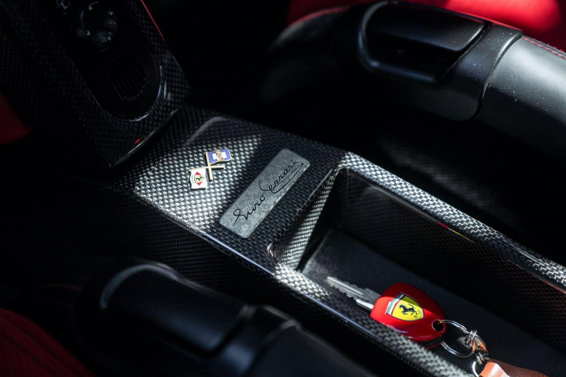 2003_Ferrari_Enzo_sale_0044
