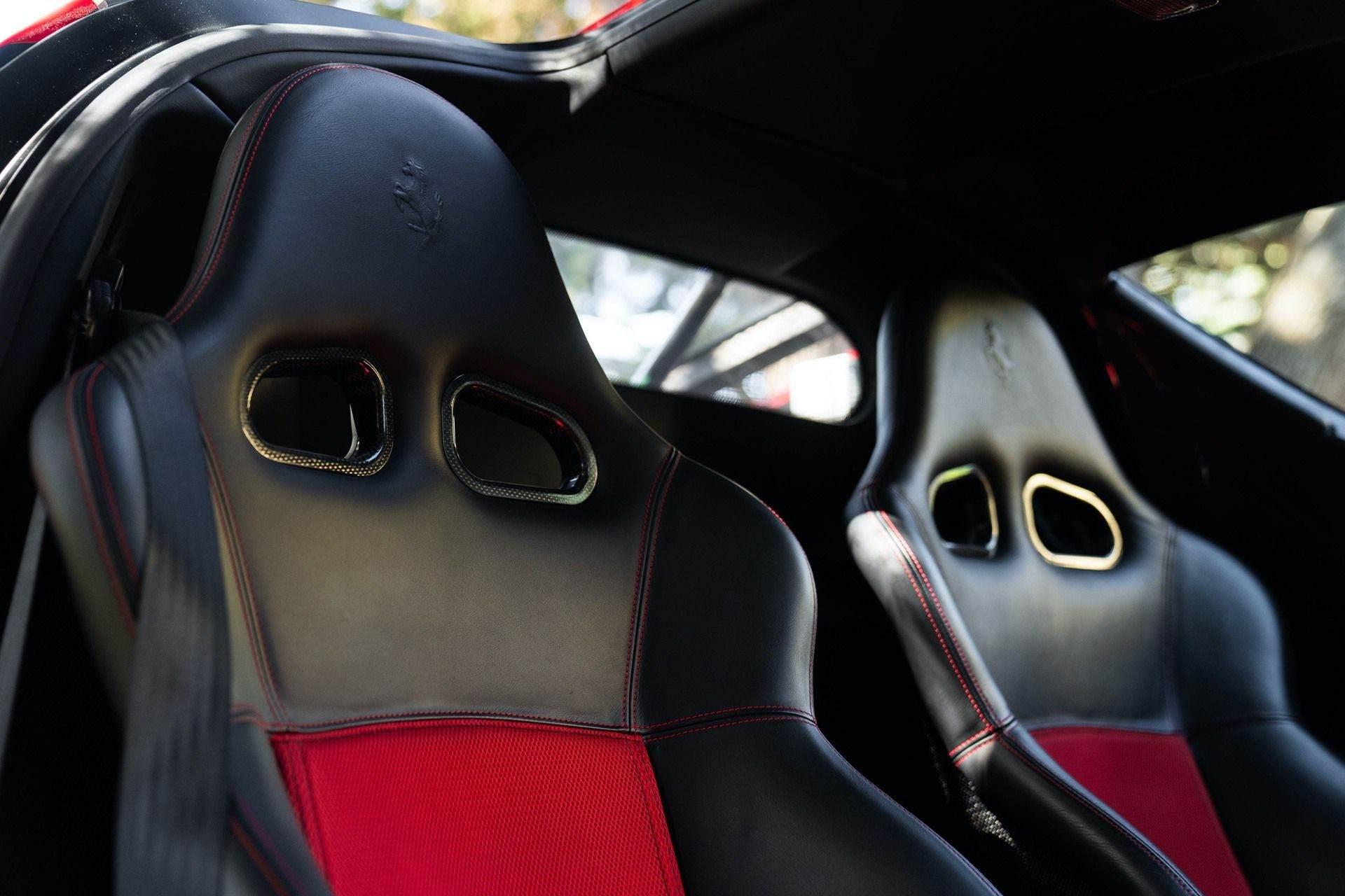 2003_Ferrari_Enzo_sale_0052