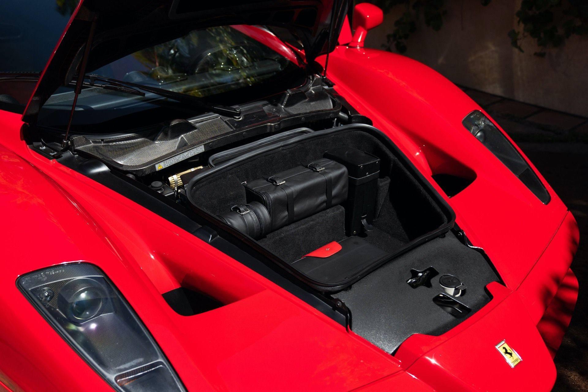 2003_Ferrari_Enzo_sale_0058