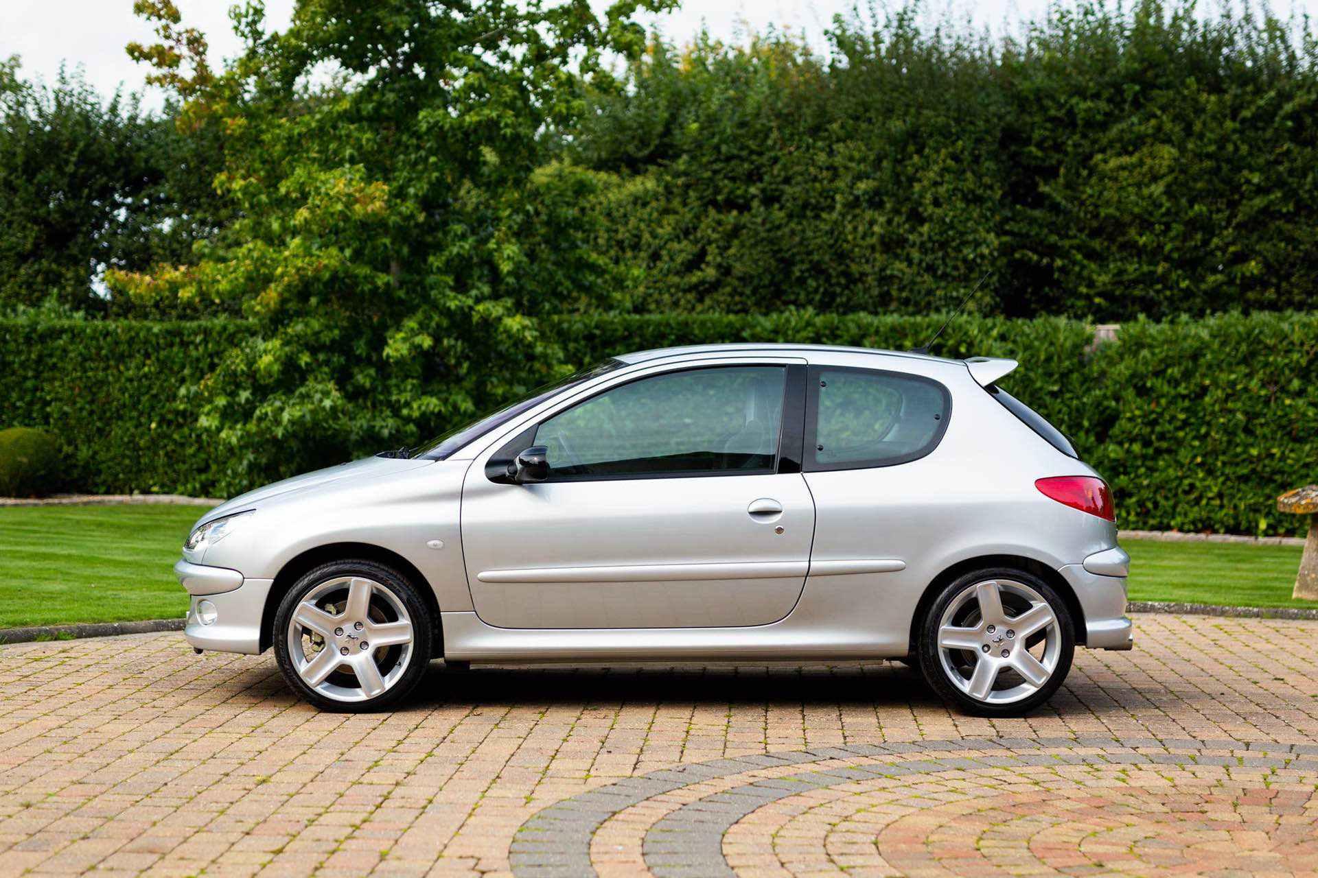 2003_Peugeot_206_RC_sale_0002