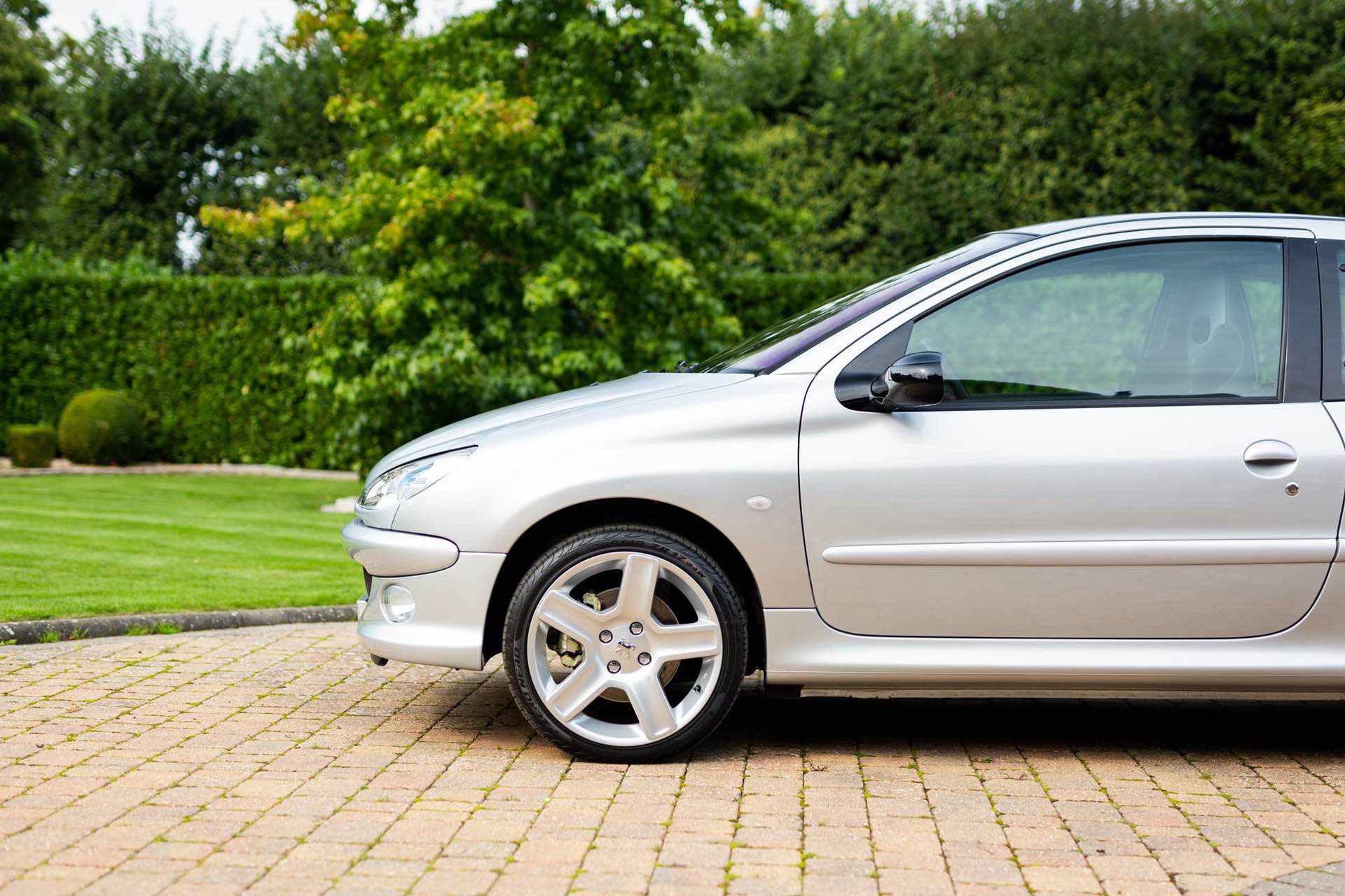 2003_Peugeot_206_RC_sale_0003