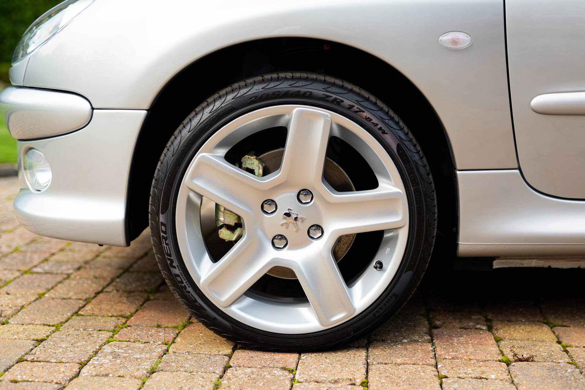 2003_Peugeot_206_RC_sale_0004