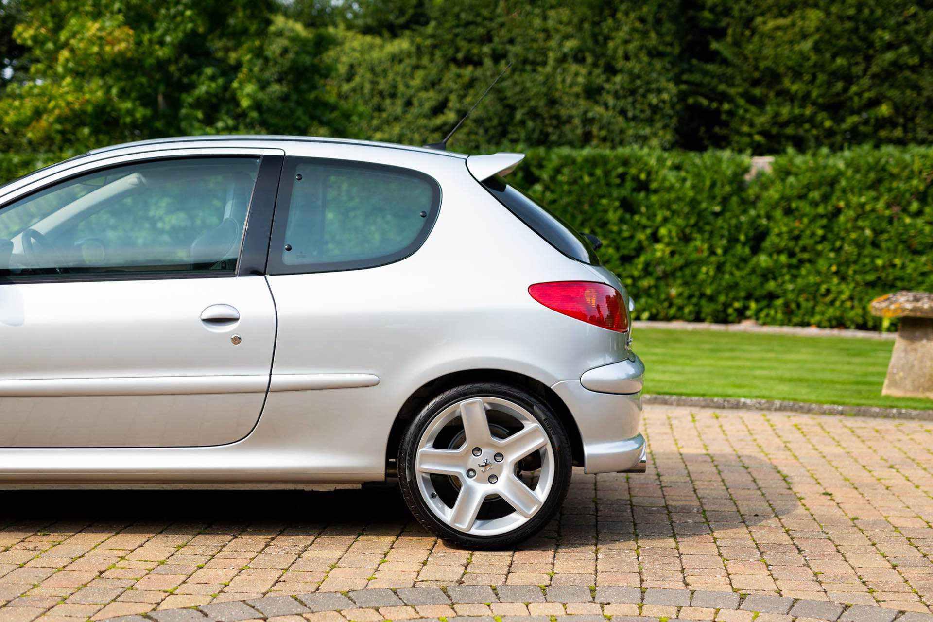 2003_Peugeot_206_RC_sale_0010