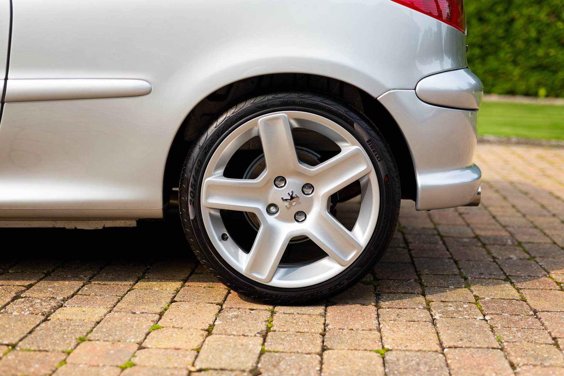 2003_Peugeot_206_RC_sale_0011