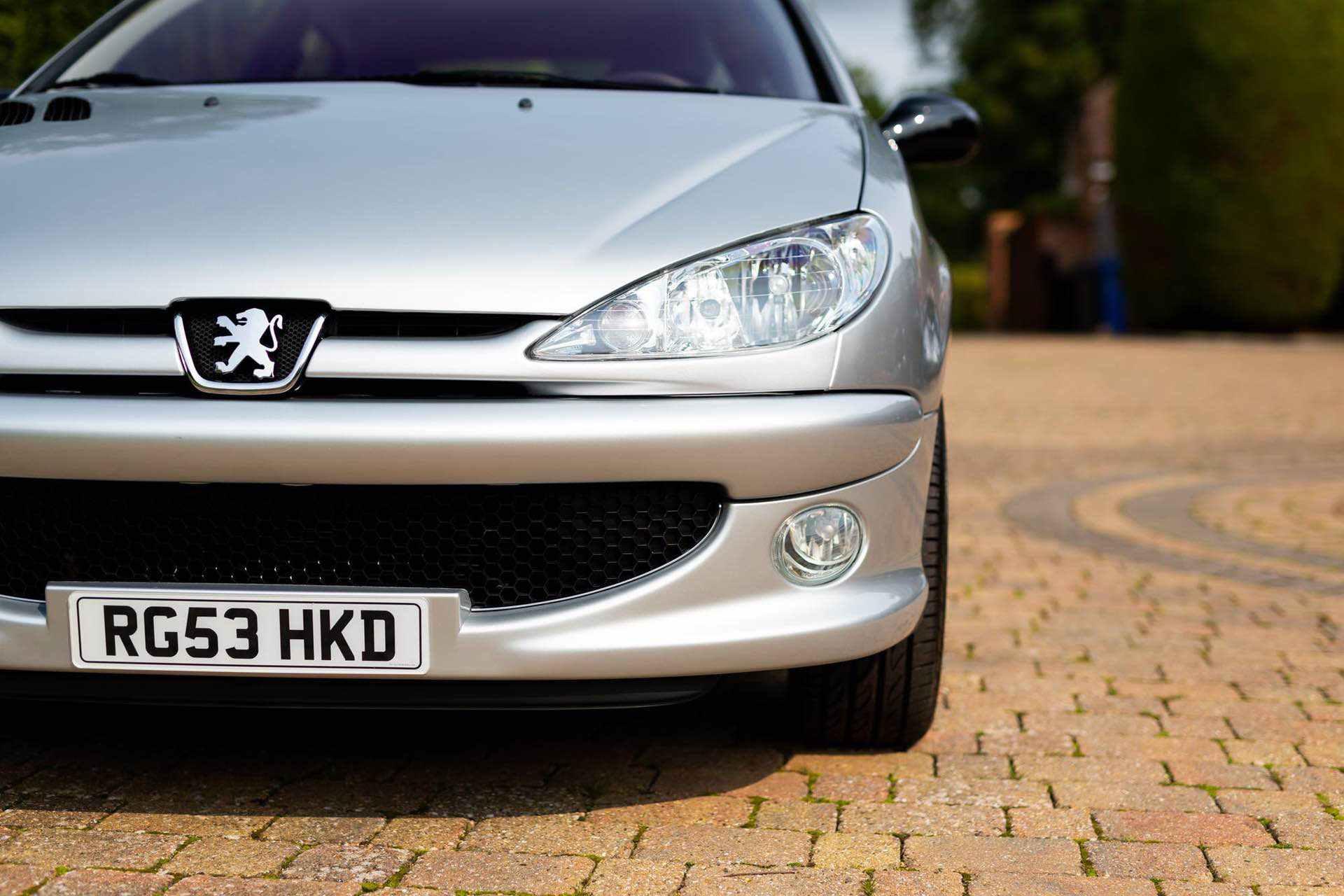 2003_Peugeot_206_RC_sale_0022
