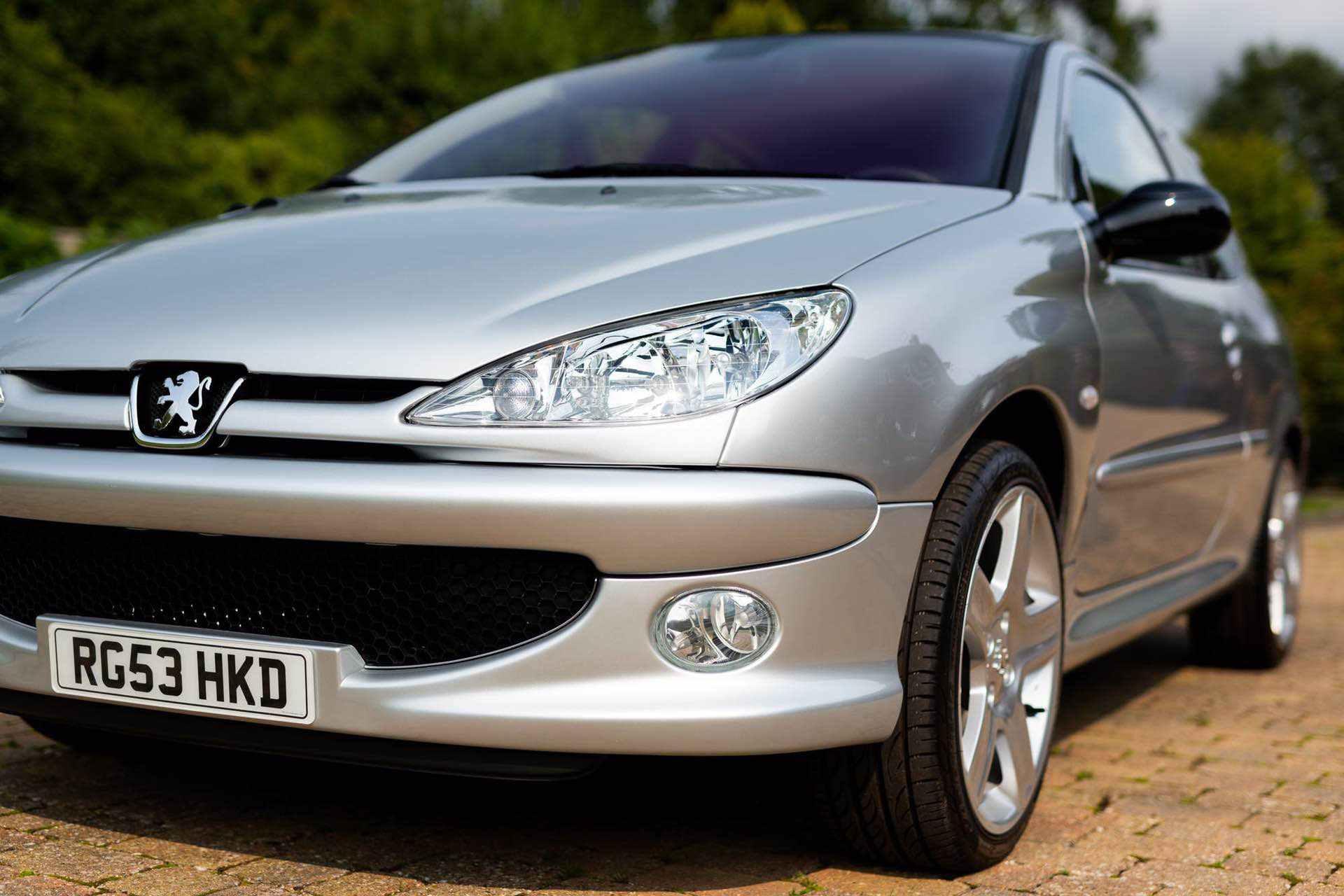 2003_Peugeot_206_RC_sale_0023