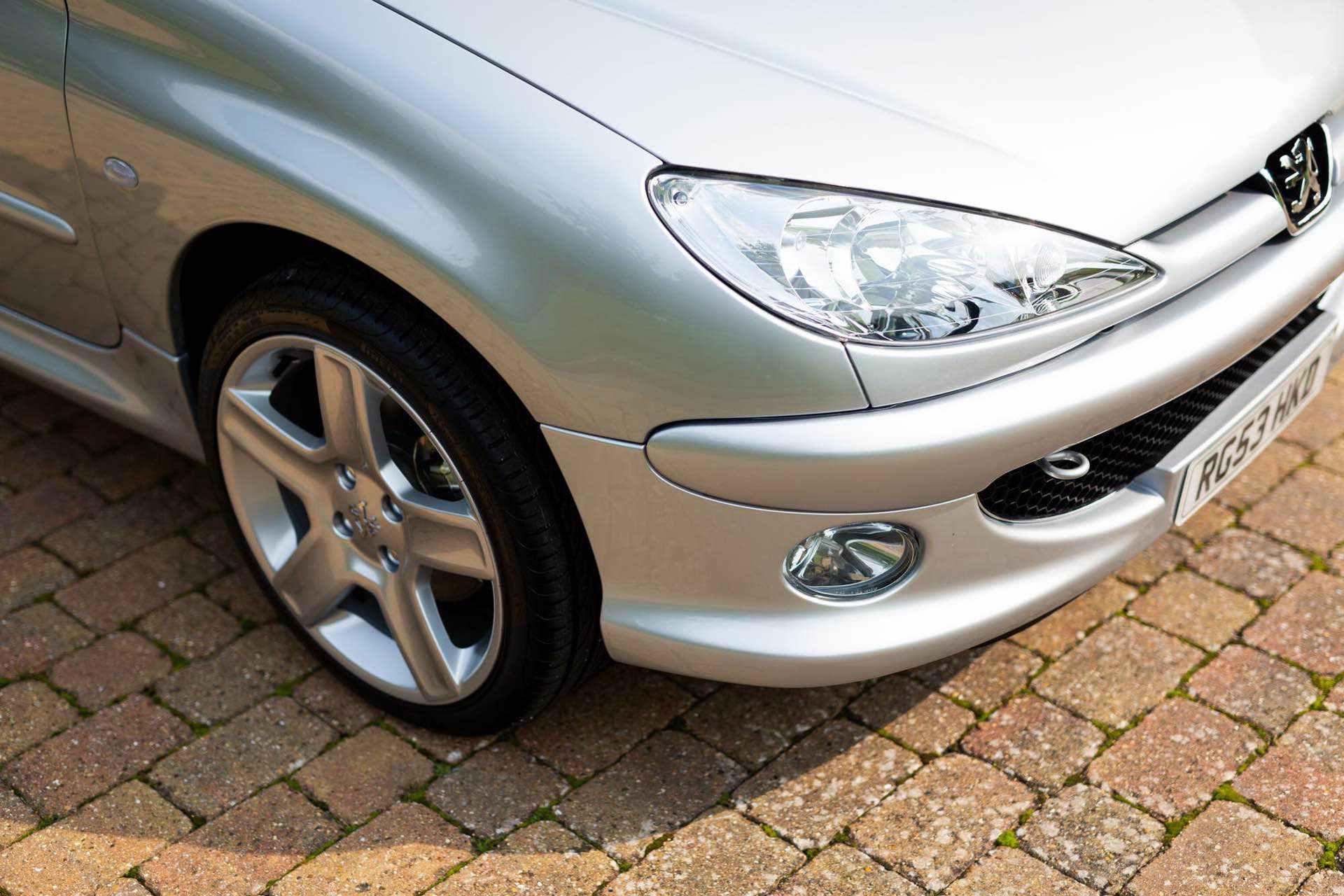 2003_Peugeot_206_RC_sale_0028