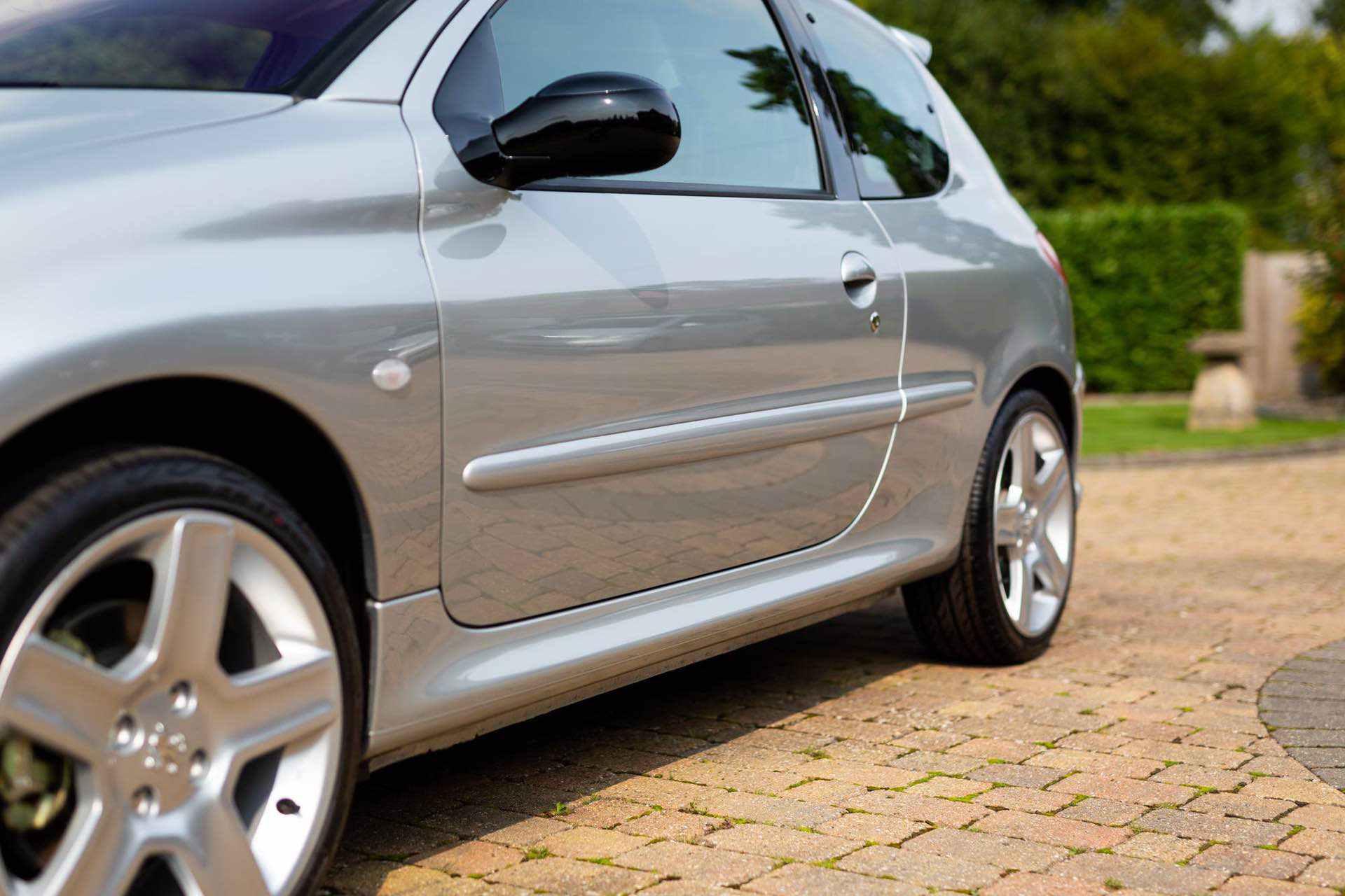 2003_Peugeot_206_RC_sale_0030