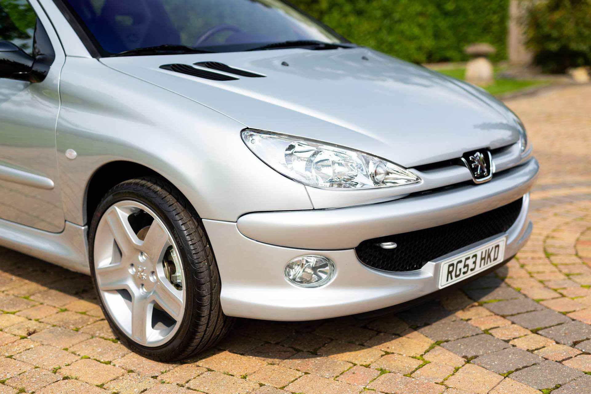 2003_Peugeot_206_RC_sale_0036