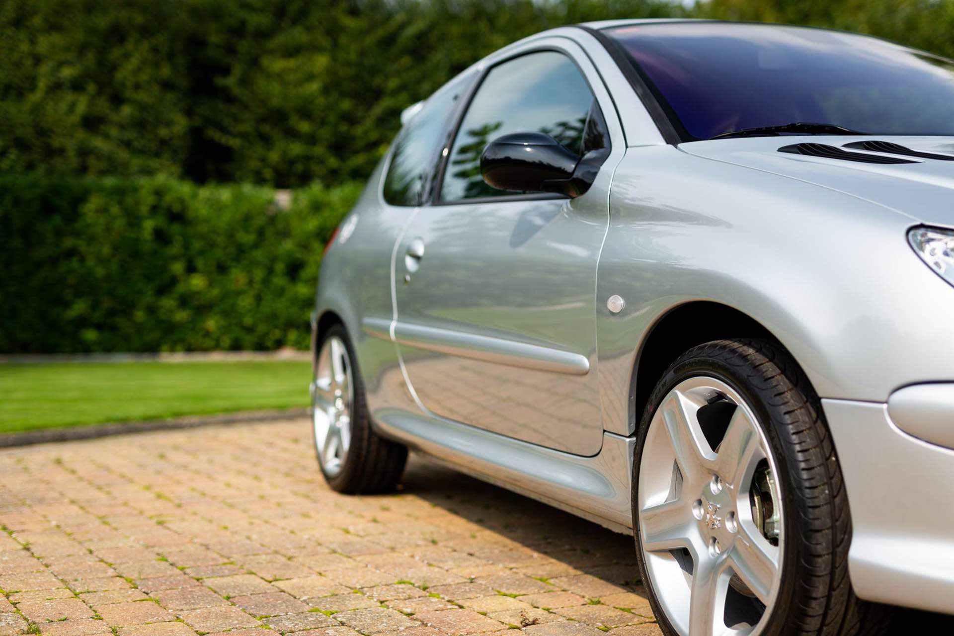 2003_Peugeot_206_RC_sale_0037