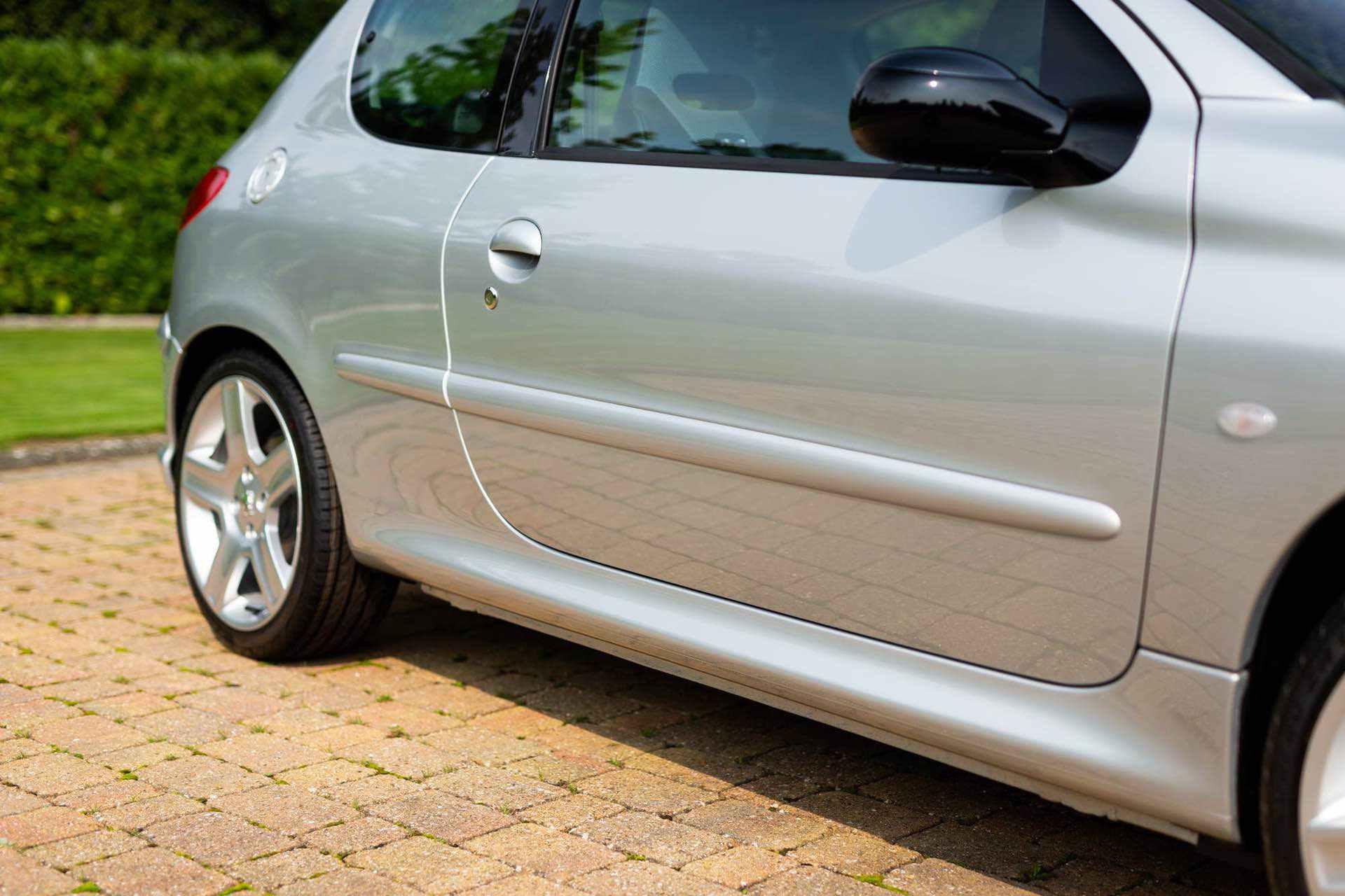 2003_Peugeot_206_RC_sale_0038