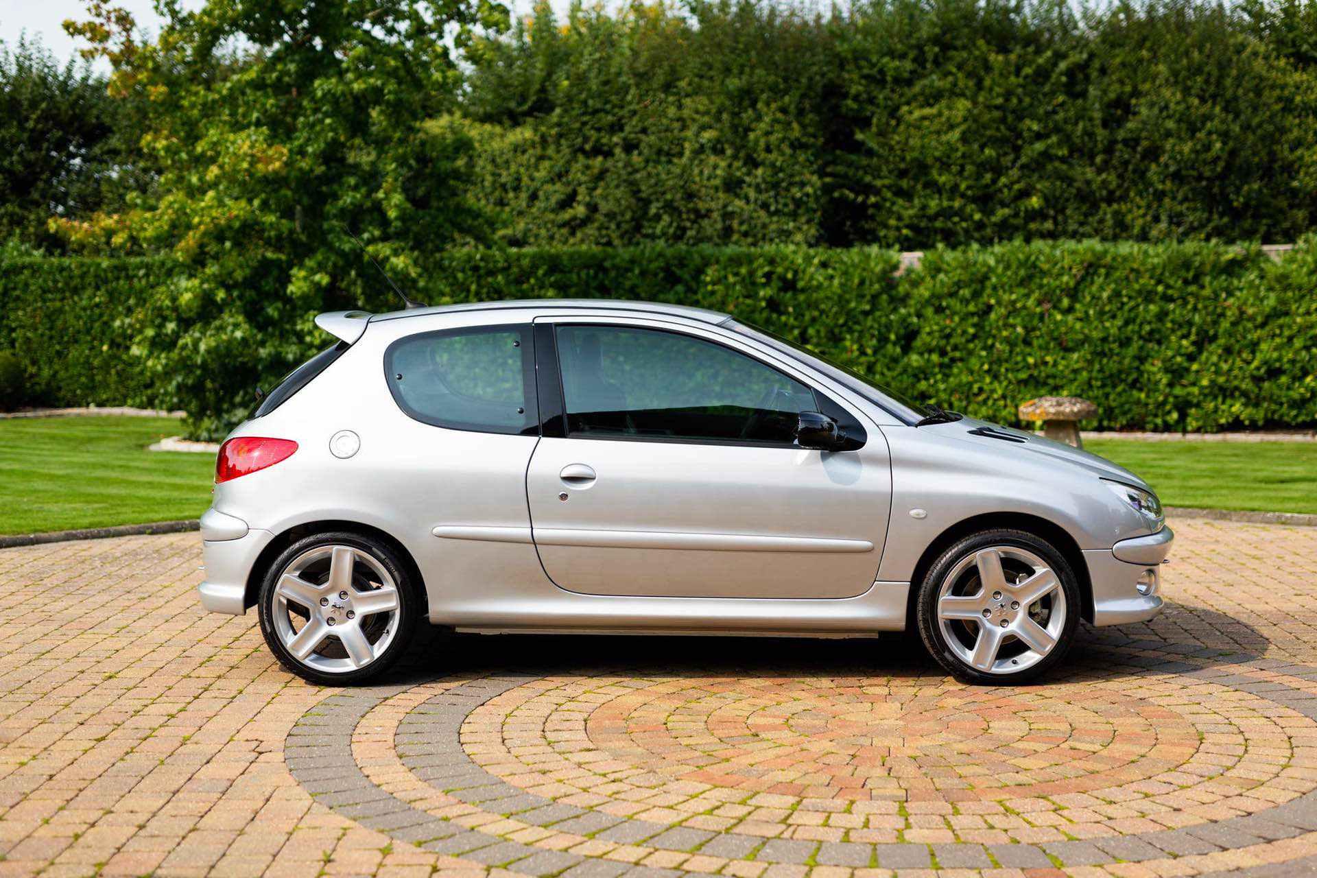 2003_Peugeot_206_RC_sale_0040