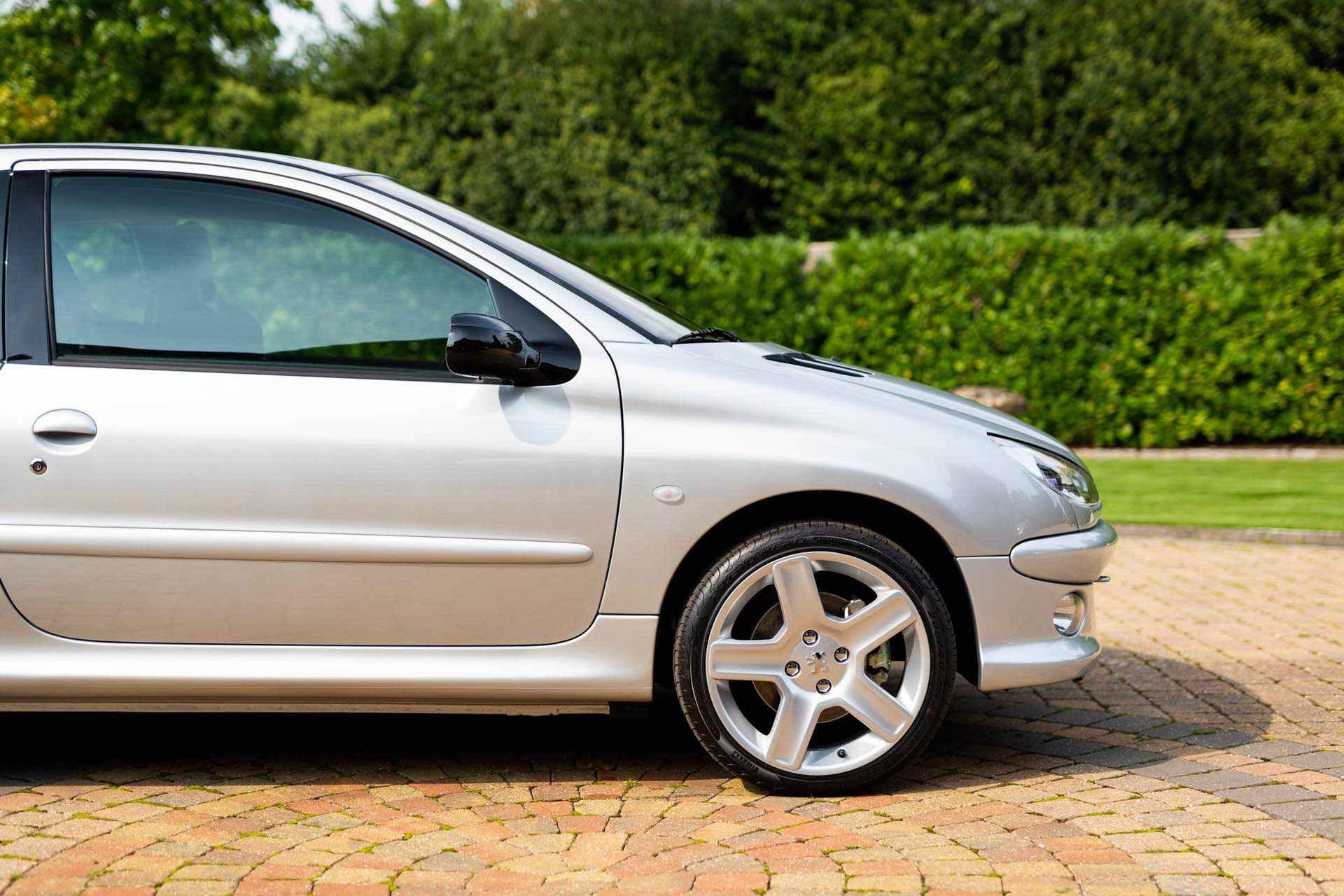 2003_Peugeot_206_RC_sale_0041