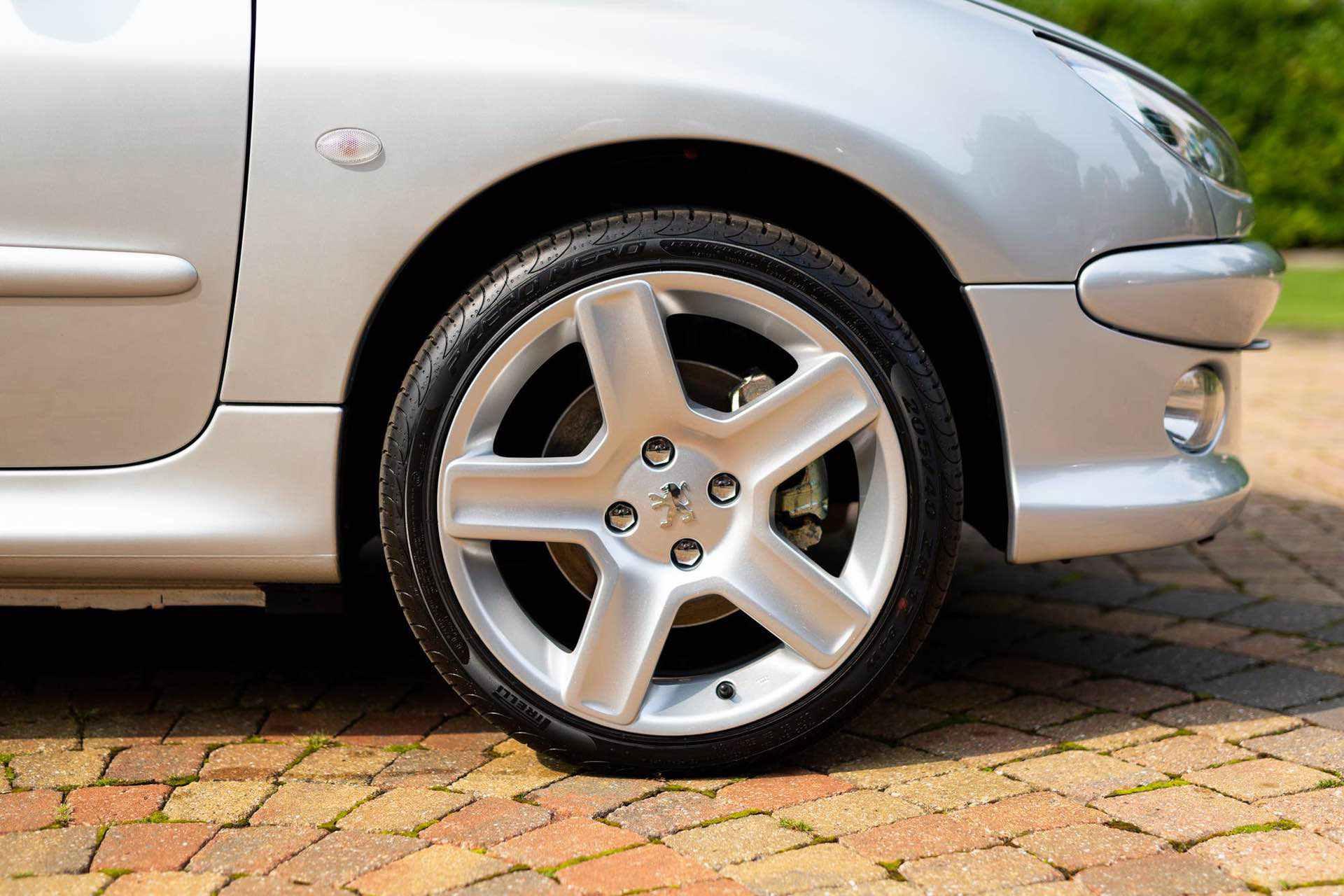 2003_Peugeot_206_RC_sale_0042