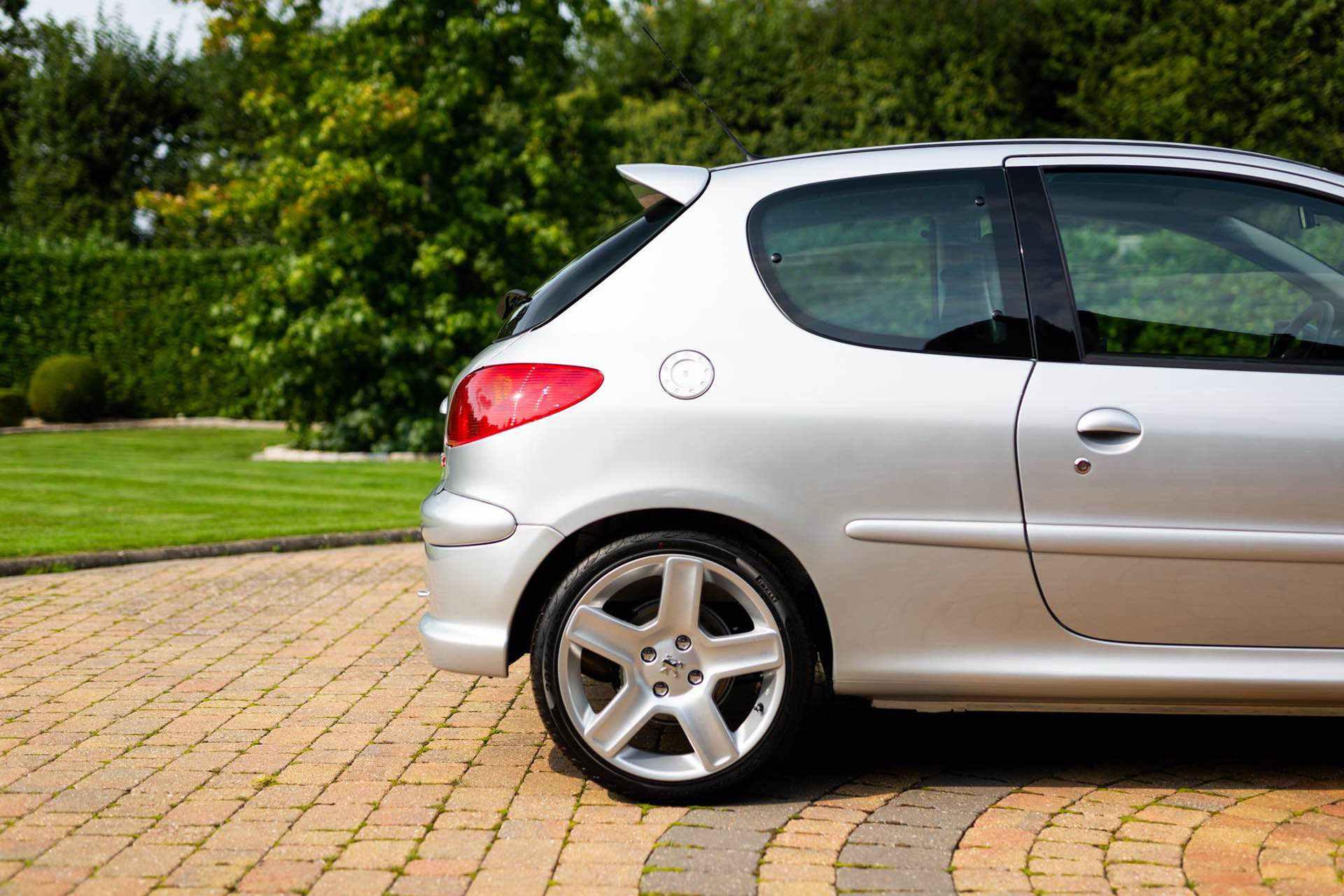 2003_Peugeot_206_RC_sale_0046