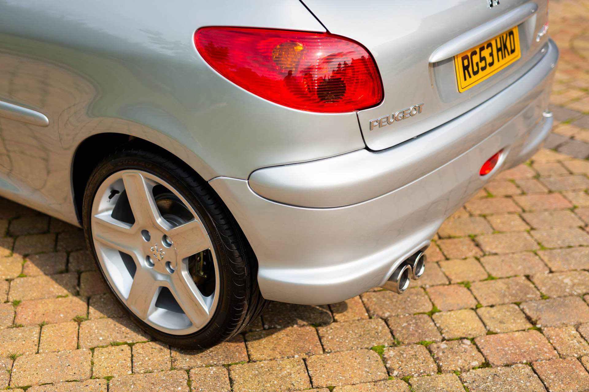 2003_Peugeot_206_RC_sale_0065