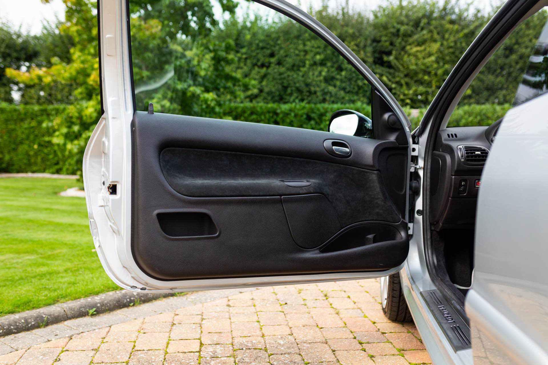 2003_Peugeot_206_RC_sale_0067