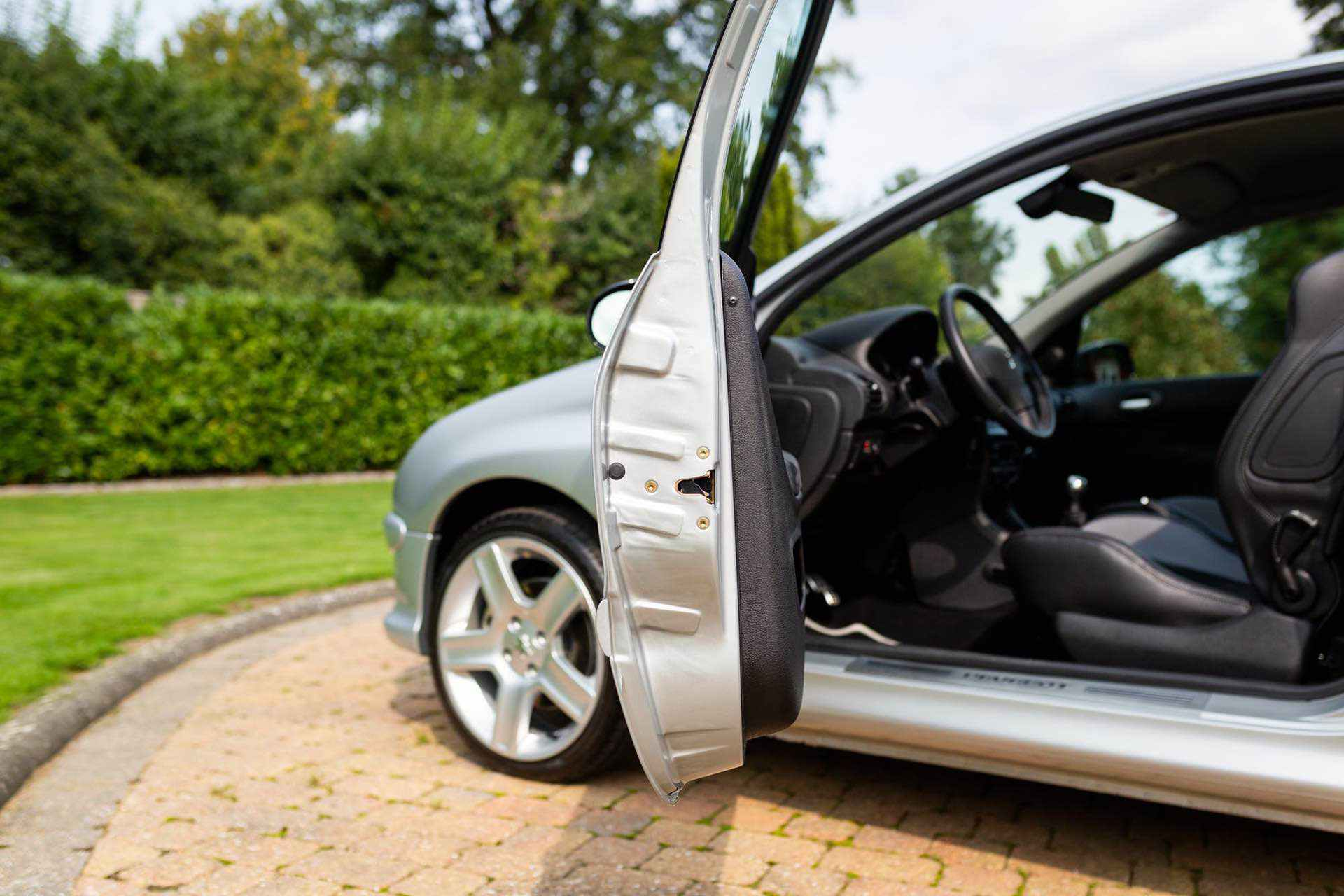 2003_Peugeot_206_RC_sale_0071