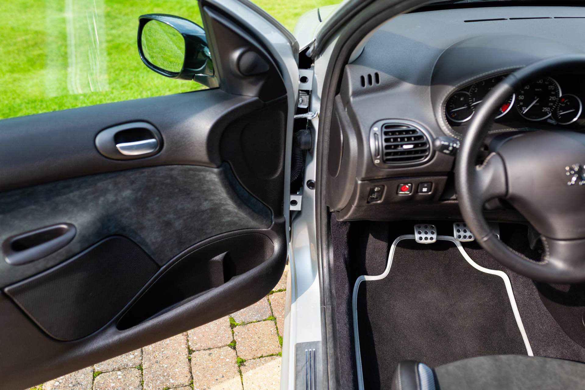 2003_Peugeot_206_RC_sale_0073